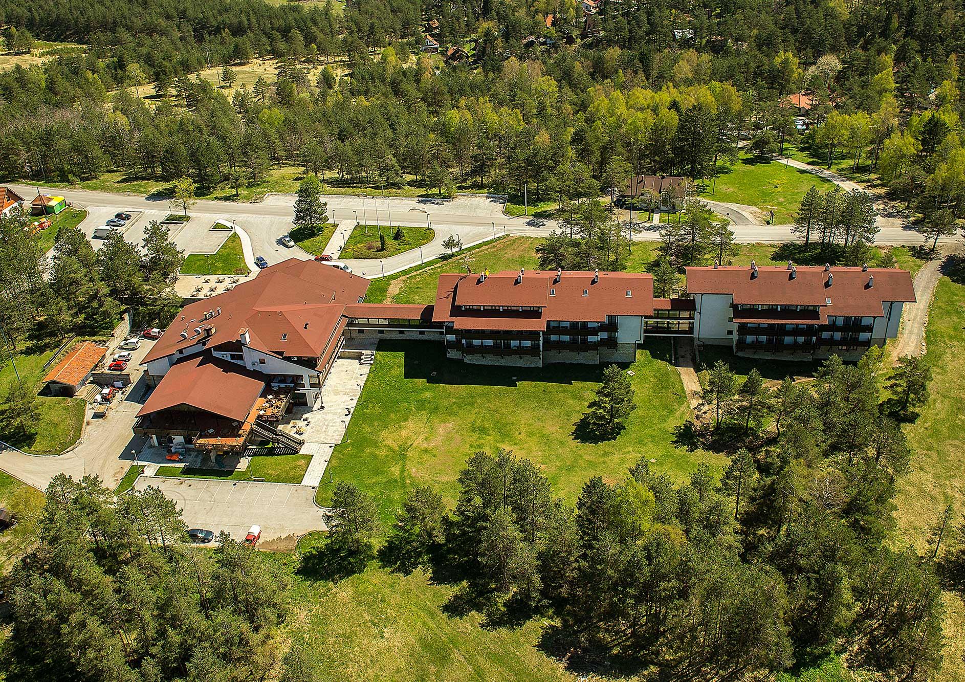 Hotel DIVČIBARE | Uživajte u čistom vazduhu i predivnom pogledu koji osvaja sva čula.